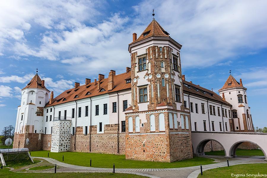 米尔城堡和涅斯维日宫