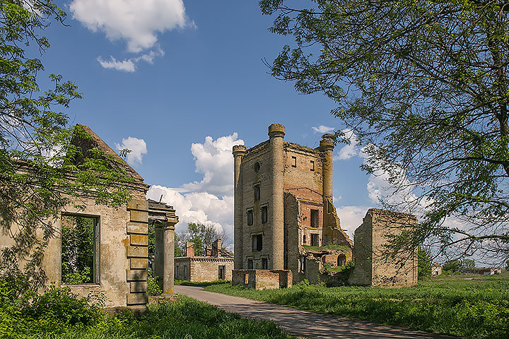 Yastrzhembsky Manor